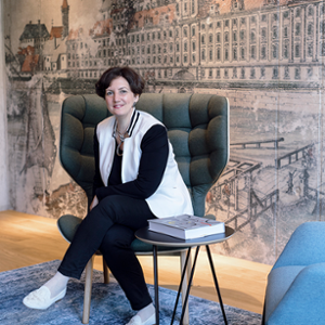 Timea Balzer (General Manager at the BRIDGE WROCŁAW MGALLERY)